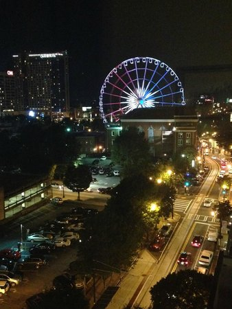 Holiday Inn Express & Suites Atlanta Downtown: Night view