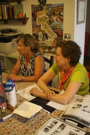 Venice Italian School: Pat e Lisa attente... - Giugno 2014