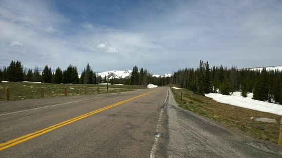 Snowy Range Scenic Byway: Road up the mountain