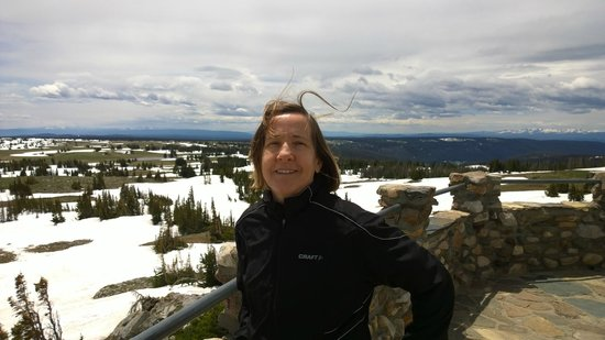 Snowy Range Scenic Byway : Lynn at the overlook