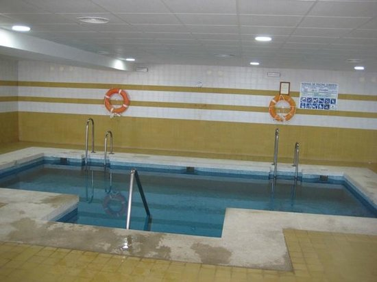 Piscine photo de club marmara marbella estepona for Club de piscine