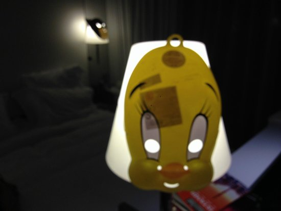 Mama Shelter Istanbul : Tweetie pie mask