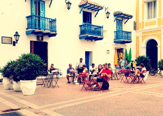 El Baron: Outside EL BARÓN the beautiful Plaza San Pedro Claver #elbaroncafe #cocktailbar #cartagena #colo