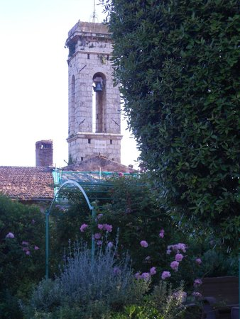 La Canonica di Cortine: view of bell tower