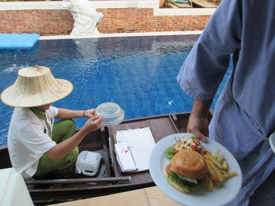 Access Resort & Villas : roomsevice