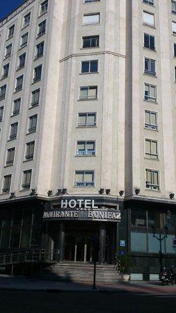Almirante Bonifaz Hotel: Hotel y alrededores