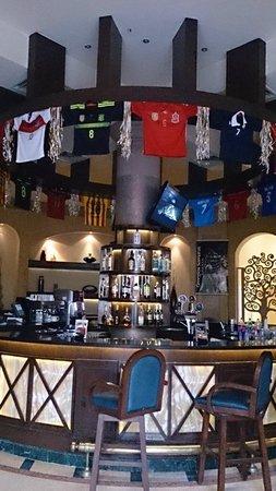 Hilton Hurghada Long Beach Resort: Декорирование  бара  к   ЧМ по футболу