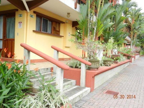 Hotel Playa Espadilla: Grounds