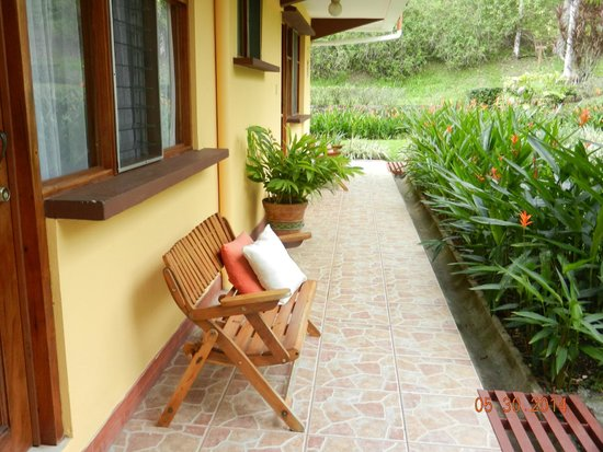 Hotel Playa Espadilla: Outside of Room