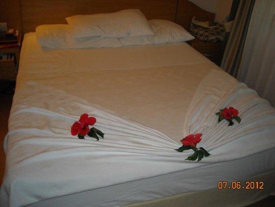 Limak Arcadia Golf & Sport Resort: Maid's Bed Linen Design