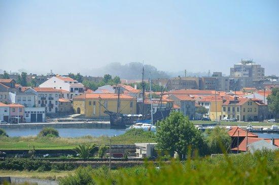 Villa C Boutique Hotel: Vistas de Vila Do Conde desde el jardín