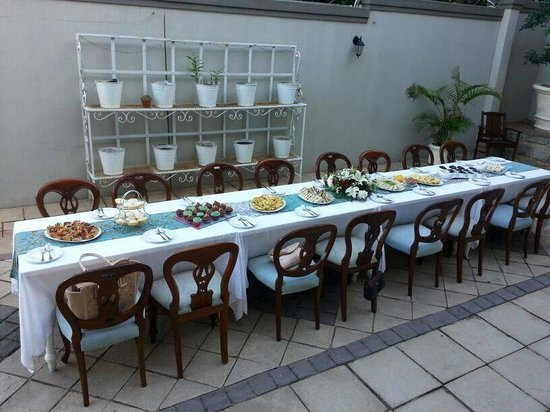 African Pride Audacia Manor Boutique Hotel : The table and food