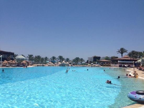 Sultan Gardens Resort: main pool