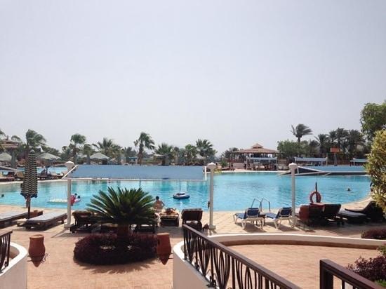 Sultan Gardens Resort: the entertainment pool