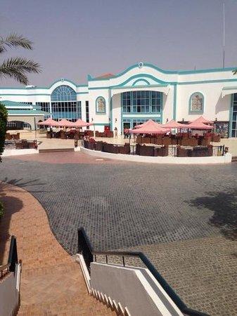 Sultan Gardens Resort: the lobby area