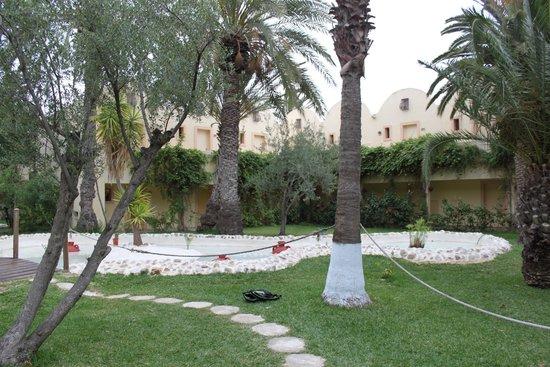 Hotel Paradis Palace : Сад