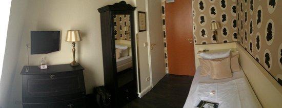 Hotel Domspitzen: Single room interior