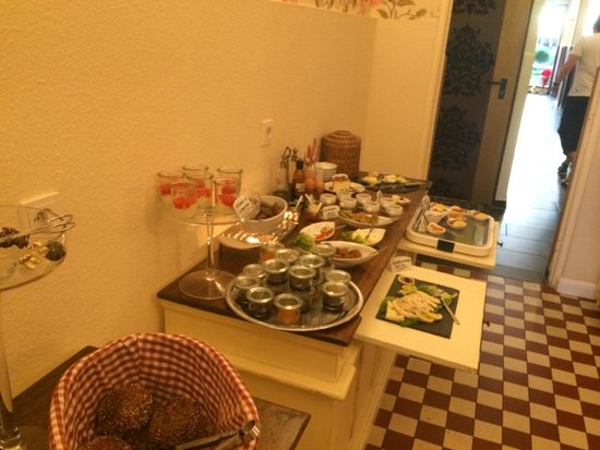 Hotel Domspitzen: Some of the breakfast selection