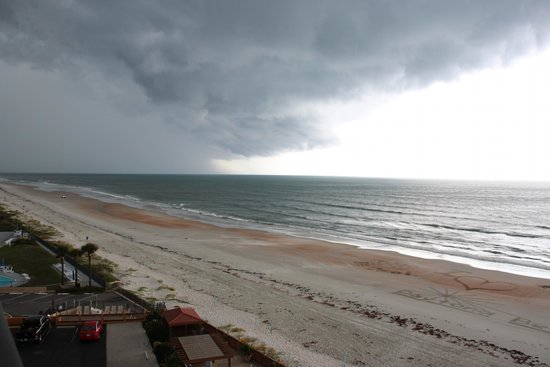 Tropical Winds Oceanfront Hotel: It IS Florida after all: storms do come in from time to time (and cool things off!)