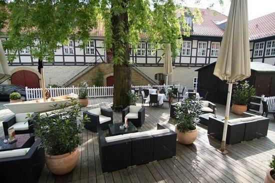 Henry's im Kaiserringhaus: Innenhof zum Hotel