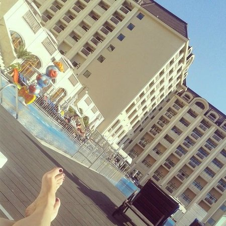 Melia Grand Hermitage: Great time by the pool :)