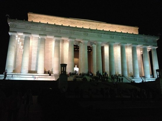 Lincoln Memorial: Beautiful on an early summer night