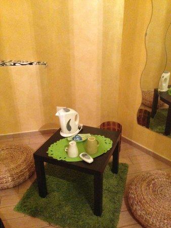 B&B Domus Diana : Seating Area / Tea Coffee
