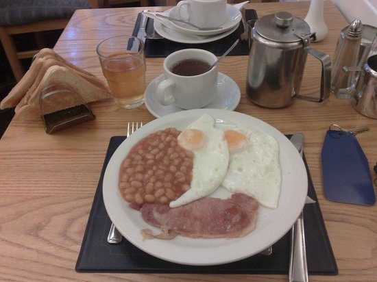 Falcon Hotel: full English breakfast