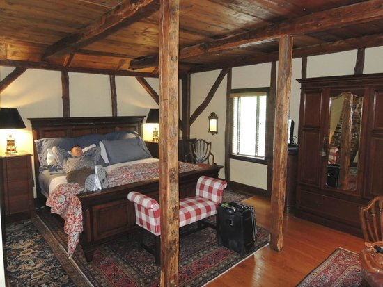 1708 House: Room 3