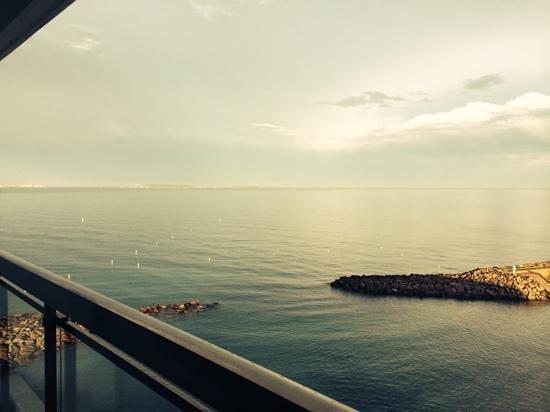 Pullman Cannes Mandelieu Royal Casino: vue de la chambre deluxe 728