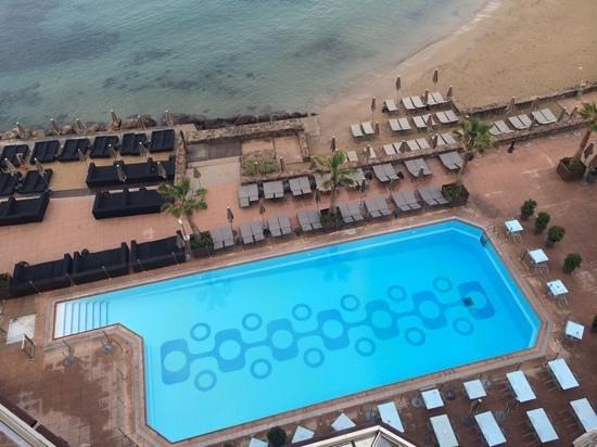 Pullman Cannes Mandelieu Royal Casino: vue du la plage