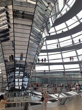 Plenarbereich Reichstagsgebäude: Inside the copula