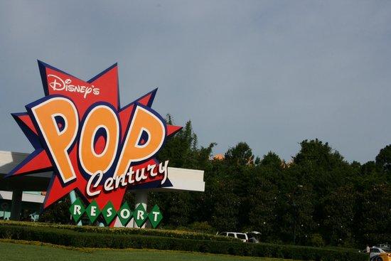 Disney's Pop Century Resort : Entrance