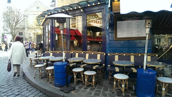 Au Clairon des Chasseurs : Outside seating
