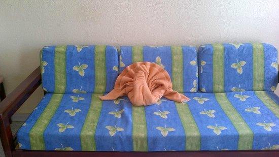 Duna Beach Bungalows: Towel Swan