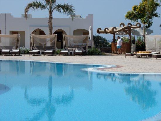 Sunrise Diamond Beach Resort: adult only pool