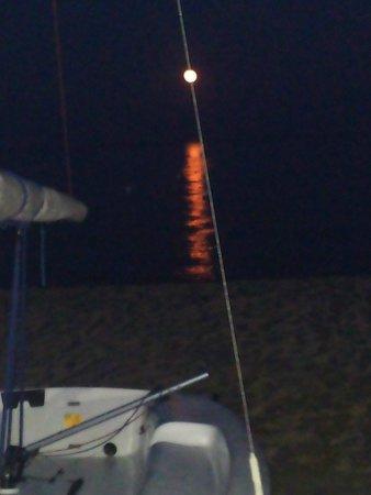 Veraclub Suneva: Luna sul mare