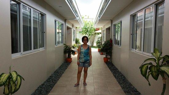 Escario Central Hotel: Room Alley