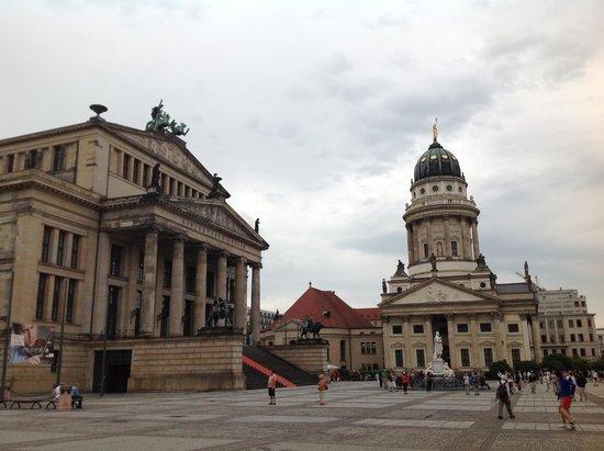 Gendarmenmarkt: the Franzosische Dom