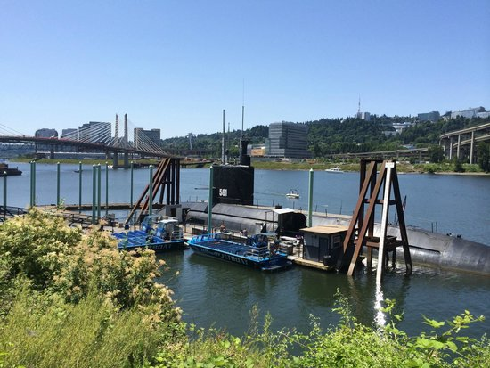 Oregon Museum of Science and Industry: USS Blueback