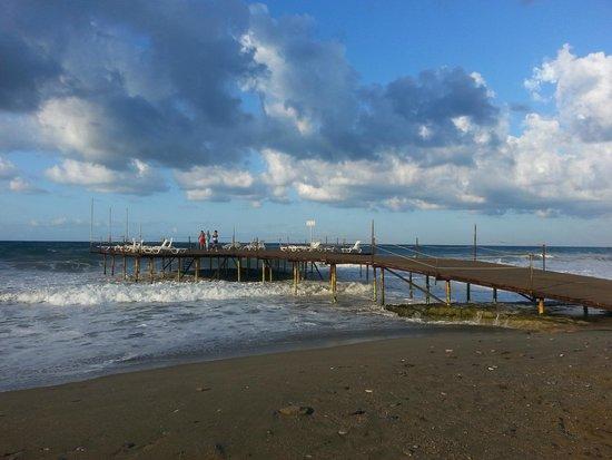 Konakli Nergis Hotel: beach