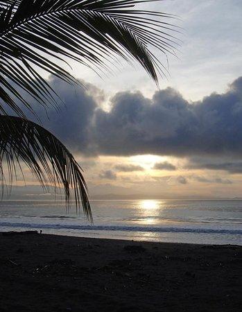 Agua Dulce Beach Resort : Sunrise