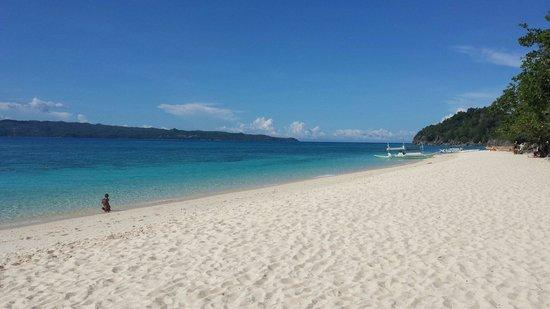 Yapak Beach (Puka Shell Beach): Yapak beach in June 2014