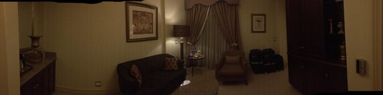 Peermont D'oreale Grande at Emperors Palace: The receiving room area