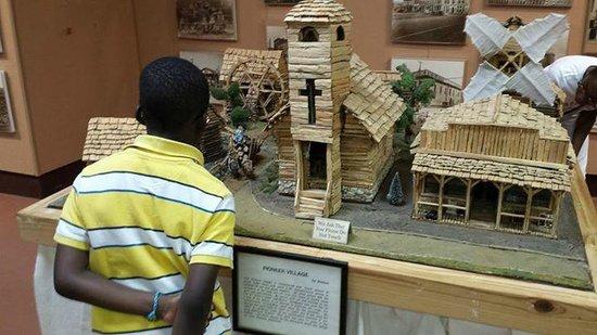 Pioneer Museum of Alabama: Neat indoor exhibits.