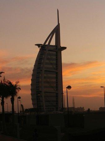 Burj al-Arab : Burj-al-Arab by night