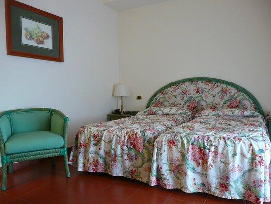 Caparena Hotel : Our room