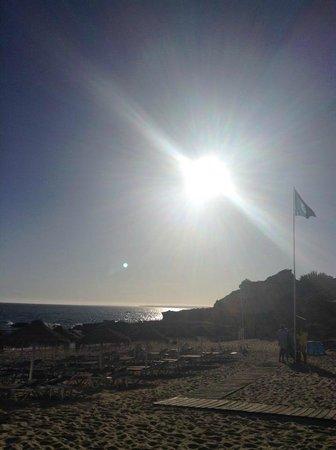 Torre Velha Hotel : Sunset on Evaristo Beach, 5 mins walk away.