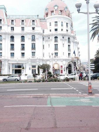 Hotel Negresco: Sofisticado hotel en niza Negresco