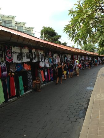 Kuta Art Markets: Bargain bargain